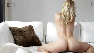 Astounding maiden posing and playing with great slit
