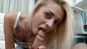 Overwhelming fair-haired skank eating away bigger knob