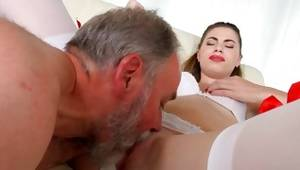 Old and little couple where sir blowing her muff